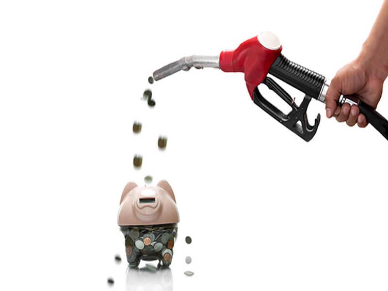 Lái xe ô tô tiết kiệm xăng