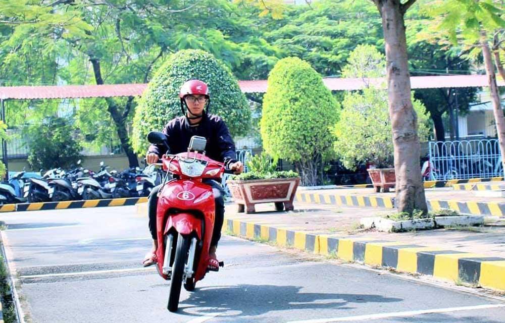 Luật thi bằng lái xe máy mới nhất có gì thay đổi?